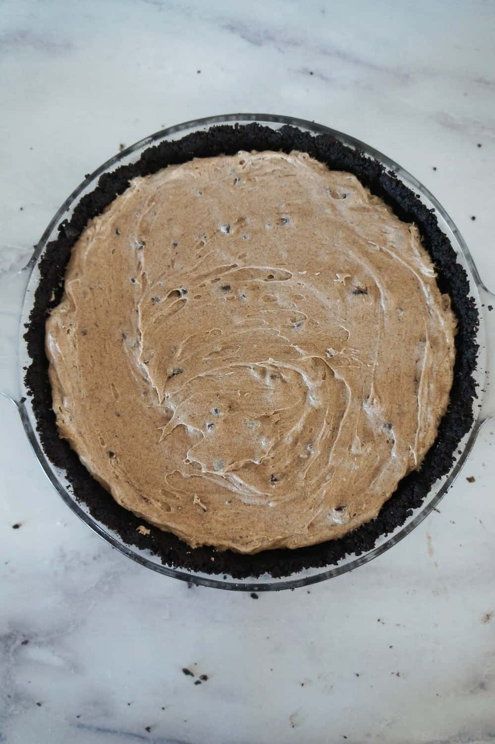 no bake Oreo pie filling in an Oreo crust