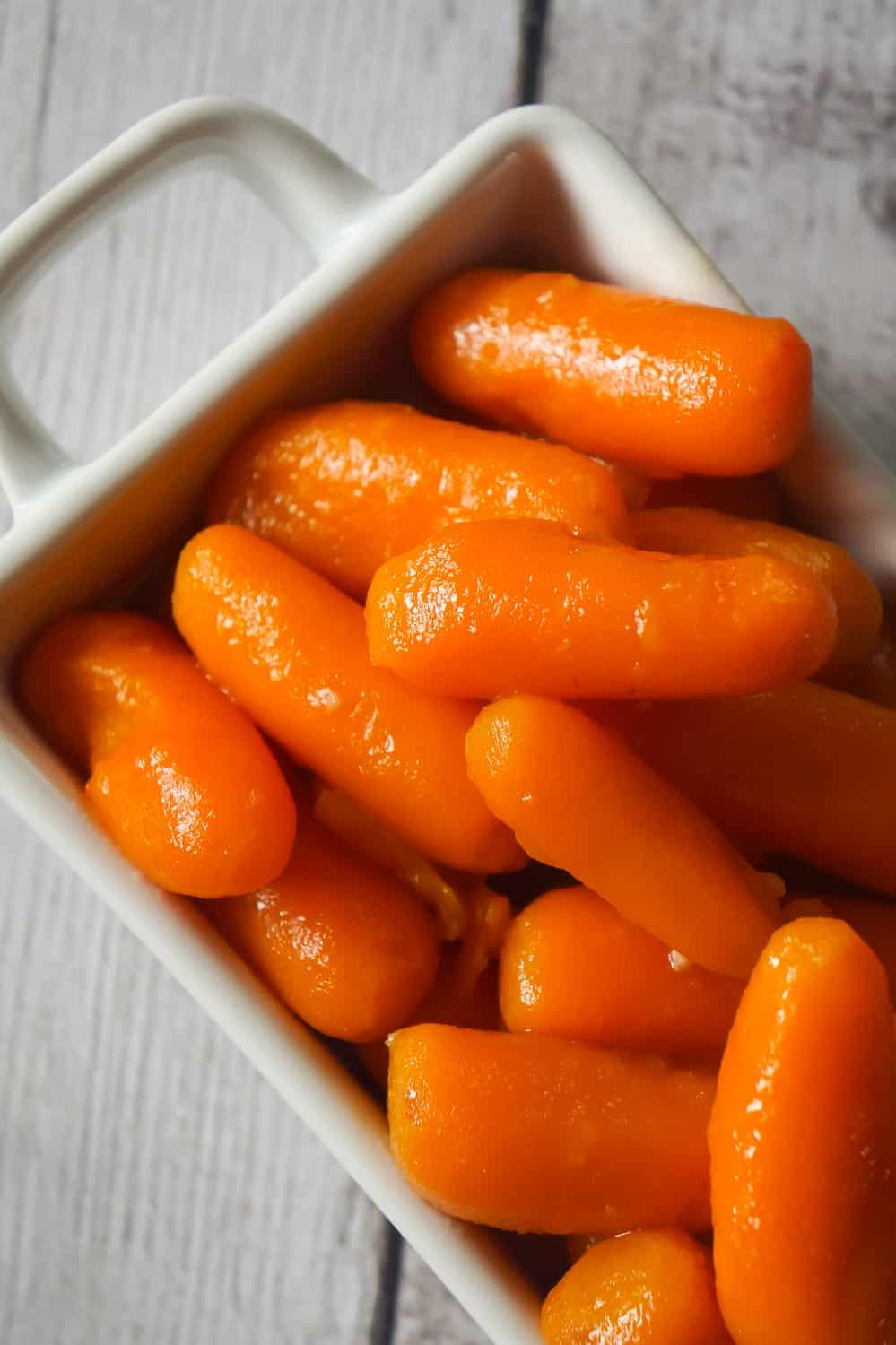 Instant Pot Glazed Carrots are an easy pressure cooker side dish recipe using butter, brown sugar, garlic puree and Worcestershire sauce.