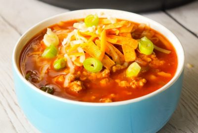 Instant Pot Turkey Chili is an easy pressure cooker chili recipe using ground turkey, chunky salsa, chili sauce, mixed beans and taco seasoning.